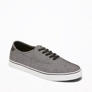 Old Navy Classic Lace Up Sneaker